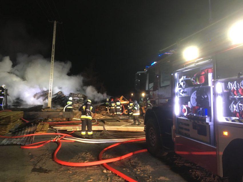 Pożar na terenie tartaku w Amalce