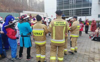 Strażacy i Święty Mikołaj łączą siły